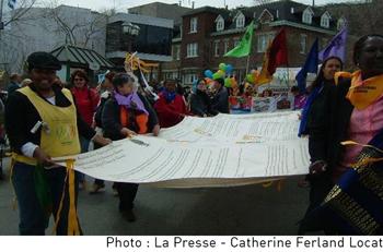 Photo de la Presse concernant la Charte mondiale des femmes.