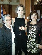 Photographie d'Andrée Corriveau, Ève Landry et Julie Miville-Dechêne.